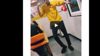 Waiter Dance Video: Tiger Shroff के गाने पर वेटर का बवाल डांस, उड़ा दिया गरदा