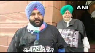 Budget 2021: Punjab Congress MPs Wear Black Gowns to Protest Against Farm Laws
