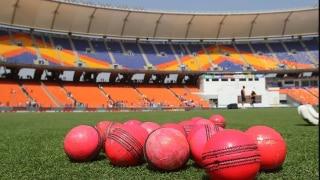 India vs England: पूर्व दिग्गजों ने की मोटेरा की पिच की आलोचना; फैंस ने कहा- पार्ट-टाइम गेंदबाज भी ले रहे हैं पांच विकेट हॉल