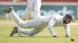India vs england 2nd test cheteshwar pujara gets injured during fielding 4421077