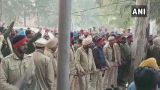 Punjab Firing Stampede: जलालाबाद में अकाली दल-कांग्रेस में बवाल, सुखबीर सिंह बादल के काफिले पर हमला, फायरिंग से मची भगदड़, देखें Video