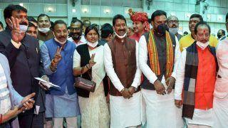 Bihar Cabinet Expansion: Shahnawaz Hussain, Sushant Singh Rajput's Cousin Among 17 Joining Nitish Kumar Govt