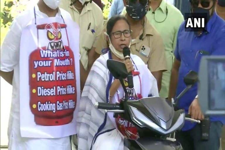 Mamata Banerjee Nearly Falls While Driving Electric Scooter to Protest Fuel Price Hike | Watch