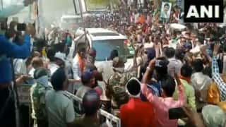 Huge Crowd Gathers as Murder-accused Maharashtra Minister Sanjay Rathod Visits Temple   WATCH