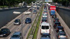 HSRP Deadline: चार पहिया और दुपहिया वाहनों में HSRP नंबर प्लेट लगवाने की आज अंतिम तारीख, कल से भरना होगा मोटा चालान
