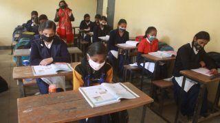 Schools Reopen in Bihar: बिहार में आज से खुल गए 9वीं-10वीं के स्कूल, कब शुरू होंगी 1ली से 8वीं तक की कक्षाएं, जानिए तारीख
