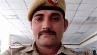 Extraordinary Act of Bravery: Delhi Cop Nabs 2 Criminals Despite Bullet Injury, Hailed as a Hero