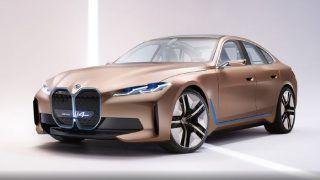 बीएमडब्ल्यू ने लॉन्च की फुल इलेक्ट्रॉनिक सेडान आई4 कार, 4 सेकेंड में पकड़ सकती है 100KM की रफ्तार; जानिए क्या है इसकी कीमत