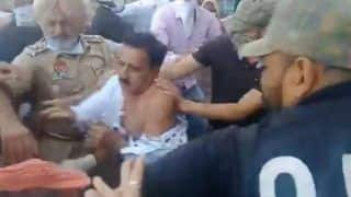 Punjab: BJP's Abohar MLA Arun Narang Thrashed, Clothes Torn by Protesting Farmers in Malout