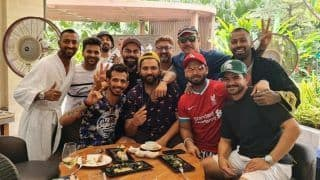 'Bubble Or No Bubble' - Shastri Joins Kohli & Co For Lunch to Celebrate Win