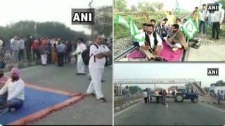 'Bharat Bandh' आंदोलनकारी किसानों ने शुरू किया 'भारत बंद'  रेल ट्रैक, सड़कों पर लगाया जाम