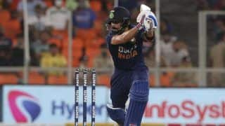 Virat Kohli Plays Captain's Knock to Perfection, Wins Praise With Consecutive Fifty in T20Is Against England