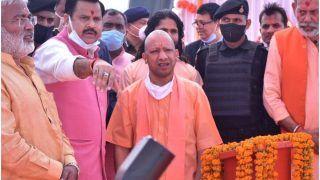बुंदेलखंड के दौरे पर निकले CM योगी, कहा- पहले की सरकारों ने इस क्षेत्र को किया नज़रंदाज़, BJP करेगी विकास