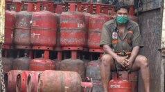 LPG CNG Prices Hike: पेट्रोल और डीजल के बाद अब बढ़ेंगे CNG और घरेलू गैसों के दाम! जानिए क्या है वजह