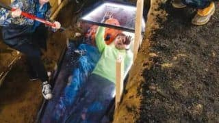 Viral Video: YouTuber Pulls Off Insane Stunt, Spends 50 Hours Buried Alive in Coffin | Watch
