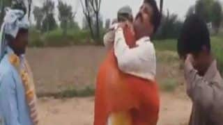 Viral Video: Father Hugs Her Daughter & Then Thrashes Her With 'Chappal', Funny Vidai Goes Viral   Watch