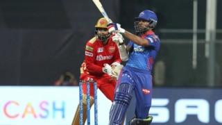 IPL 2021: लगातार तीसरी जीत के साथ शीर्ष पर बरकरार RCB; नंबर-1 बल्लेबाज बने शिखर धवन