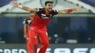 IPL 2021: Sunrisers Hyderabad के कोच Trevor Bayliss का बयान- Harshal Patel की फुलटॉस को नो-बॉल करार देना सही