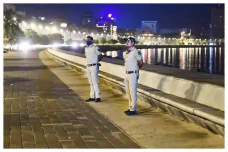 Gujarat Extends Curfew in Ahmedabad, Surat And 34 Cities. Check Timings, Other Details