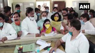 UP Panchayat Elections: सपा संस्थापक मुलायम सिंह यादव की भतीजी संध्या यादव ने बीजेपी उम्मीदवार के तौर पर नामांकन भरा