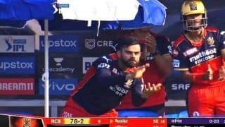 Virat Kohli's Reaction to Glenn Maxwell's Fifty During RCB-KKR IPL 2021 Game Wins Internet | WATCH VIDEO