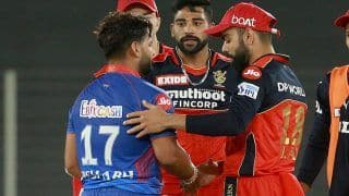 Virat Kohli, Mohammed Siraj Consoling Rishabh Pant After RCB Beat DC in IPL 2021 Game is Unmissable | WATCH VIDEO