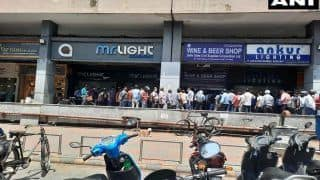 Allow Home Delivery of Booze: Liquor Makers Urge Govt After Long Queues Seen Outside Alcohol Shops in Delhi