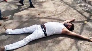 High Drama: BJP MLA Lies Down on Road With Torn 'Kurta' in Hands, Accuses UP Cop of Beating Him | Watch