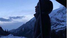 80 किलोमीटर की ट्रेकिंग कर पहाड़ पर पहुंचीं Kirti Kulhari, आसमां छूने वाली ऊंचाई से शेयर की फोटो