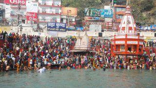 Kumbh Mela: Thousands of Devotees Take Dip Into Ganga For Shahi Snan Flouting COVID Norms