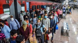 Migrant Exodus 2.0? Huge Crowds at Mumbai, Delhi Railway Stations Amid Lockdown Scare