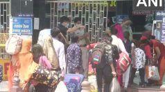 केजरीवाल की अपील का नहीं दिखा असर, दिल्ली में लॉकडाउन लगते ही घरों के लिए निकले प्रवासी श्रमिक