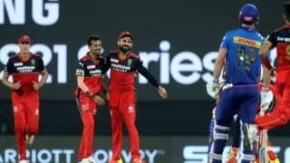 MI vs RCB: Virat Kohli's Athletic Effort Catches Rohit Sharma Short of His Crease in IPL 2021 Opener | Watch