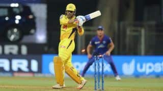 MS Dhoni Has to Take Call on His Batting Order: Sunil Gavaskar After CSK Suffered Defeat to Delhi Capitals