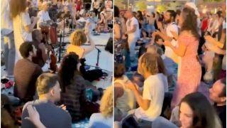 Hundreds of Israelis Chant 'Om Namah Shivaya', Pray For India's Recovery Against Covid | Watch