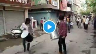 People Violating Covid-19 Curfew in Indore Made to Do Frog Jumps on Road With Drums Being Played | Watch