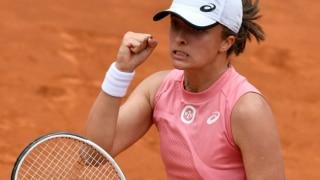 कैरोलिना प्लिसकोवा को हराकर इटालियन ओपन चैंपियन बनीं इगा स्विएतेक
