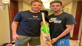 IPL 2021 स्थगित, Jos Buttler ने Yashasvi Jaiswal को दिया अपना बल्ला, लिखी दिल की बात