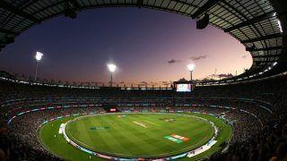 T10 क्रिकेट में भारतीय क्रिकेटर ने मचाया तहलका, ओवर की सभी 6 गेंदों पर जड़े छक्के