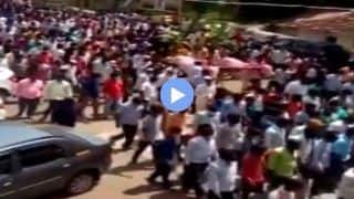 Viral Video: Hundreds of People Attend Funeral of 'Divine Horse' in Karnataka, Flout COVID-19 Restrictions | WATCH