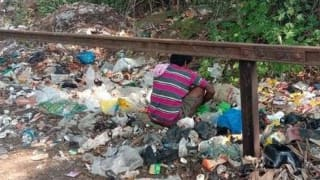 Karnataka Lockdown: Left With no Resource, Hungry Man Searches For Food in Garbage Dump Yard