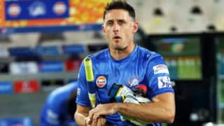 Csk batting coach michael hussey test positive after ipl 2021 postponed 4639543