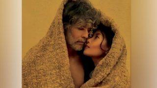 Milind Soman पत्नी Anikta संग रोमांस की चाशनी में डूबे आते हैं नज़र, देखिए लिपलॉक वाली इंटीमेट Pictures