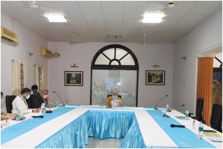 CM ममता ने किया PM मोदी का अपमान, बैठक में आधा घंटा बैठाकर रखा फिर मिलने पहुंची