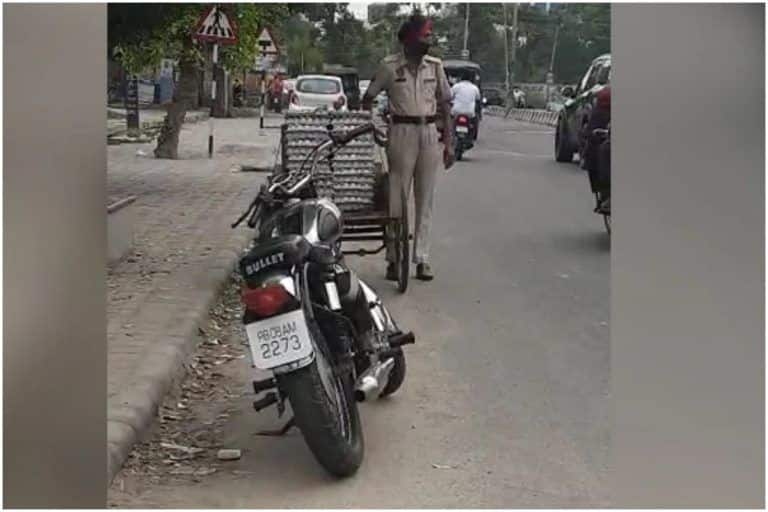 Viral Video: अंडा चुराते कैमरे में कैद हुआ पंजाब का पुलिसकर्मी, Video वायरल हुआ और फिर...