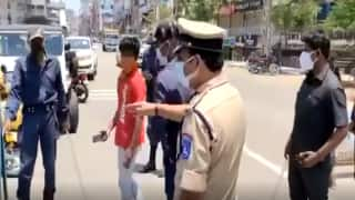Zomato, Swiggy Delivery Boys Stopped by Hyderabad Police For 'Flouting' Lockdown Rules | WATCH