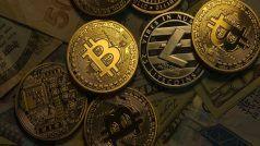 Bitcoin Latest News: 2021 के अंत तक 1 लाख डॉलर प्रति कॉइन तक पहुंच सकता है बिटकॉइन: एक्सपर्ट