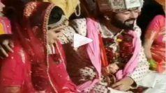 Mandap Me Harkat: मंडप में दूल्हे ने दुल्हन के साथ की ऐसी हरकत, पंडित ने कहा- हाथ हटाओ, लोग बोले- Pandit Ji Rocks | देखें  Viral Video