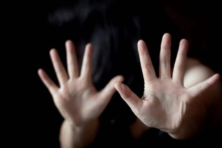 Robbers Gangraped Bride : लग्नाच्या पहिल्या रात्रीच नवरीवर सामुहिक अत्याचार; दरोडेखोरांनी नवऱ्यासमोरच...