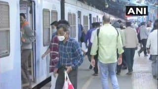 Mumbai Local Train News: लोकल ट्रेनों में फेक ID से यात्रा करने वालों को भरना पड़ा जुर्माना
